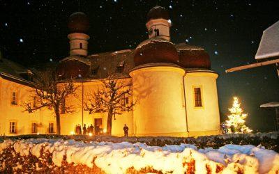 """Dezember 2012 – Benefizveranstaltung """"Die Heilige Nacht von Ludwig Thoma"""" in St. Bartholomä  Foto: Mergenthal"""